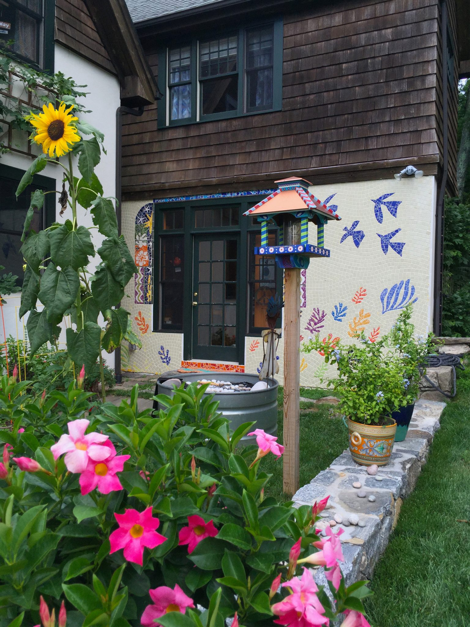 Matisse-inspired-garden-wall-1